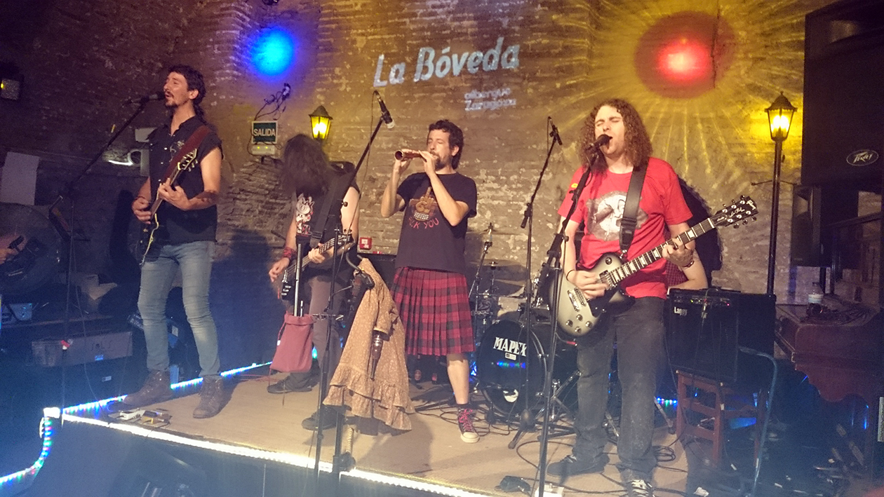Vivo Rock En Concierto: Cachirulos XL