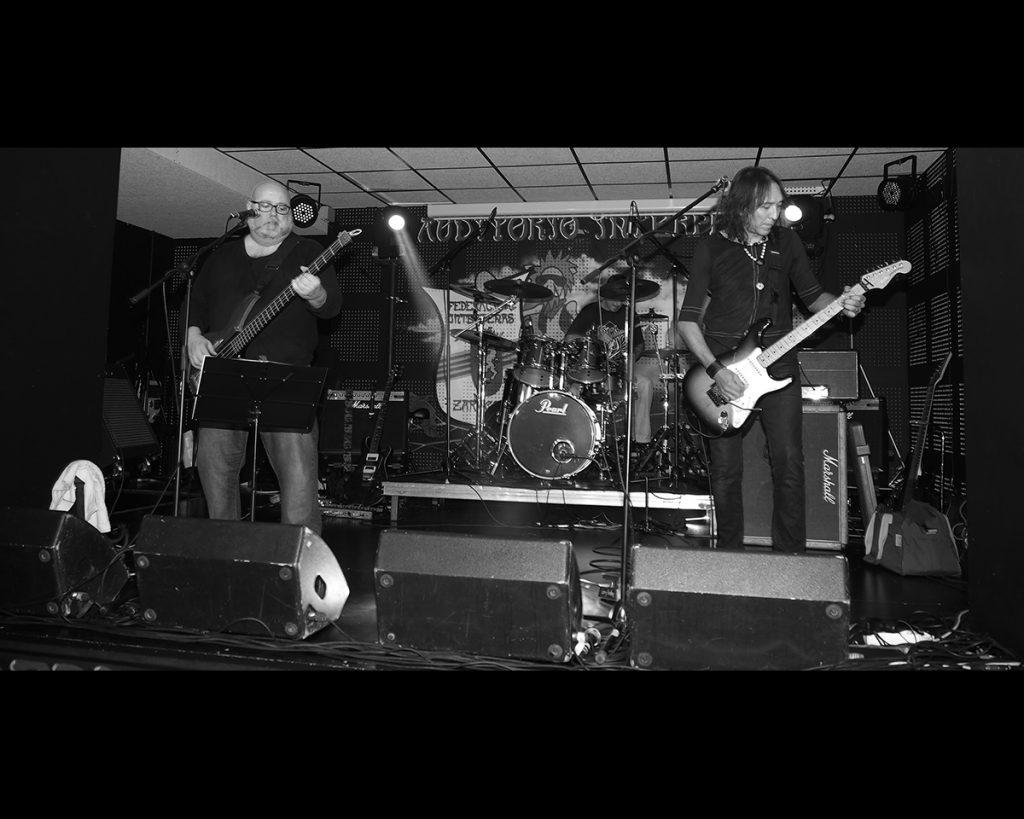 Vivo Rock Band durante la prueba de sonido
