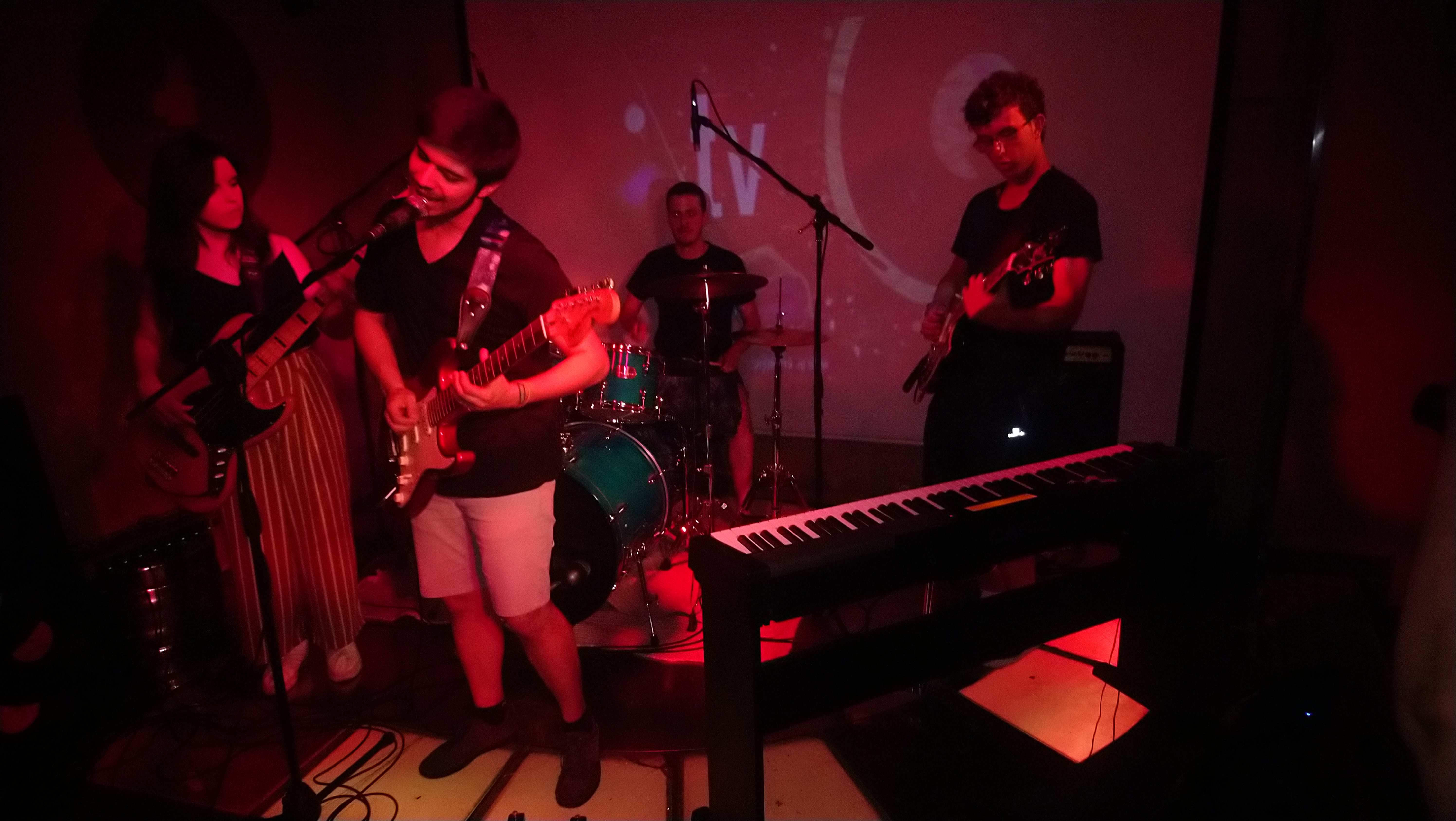 Vivo Rock En Concierto: The Blue Cabin